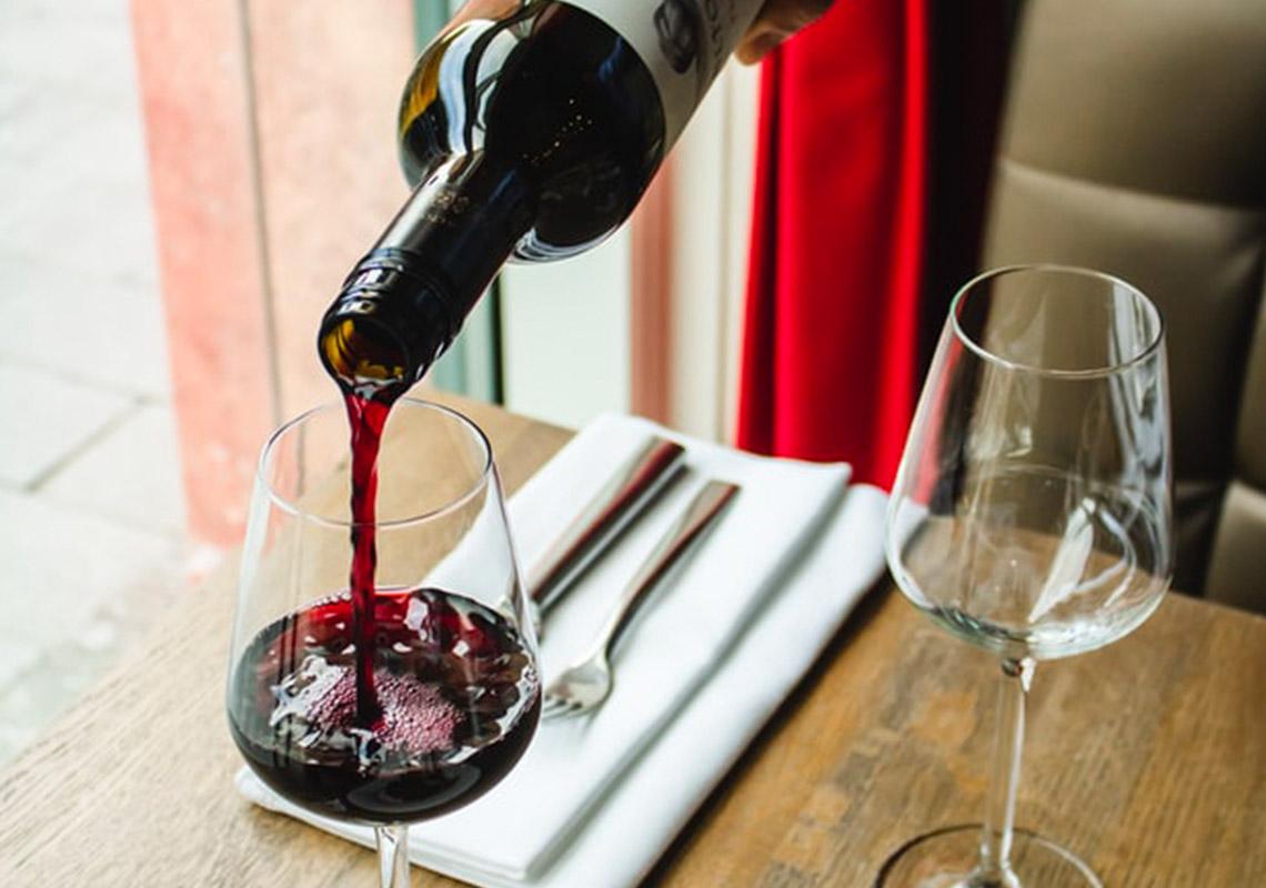 Servírujete víno pri správnej teplote?
