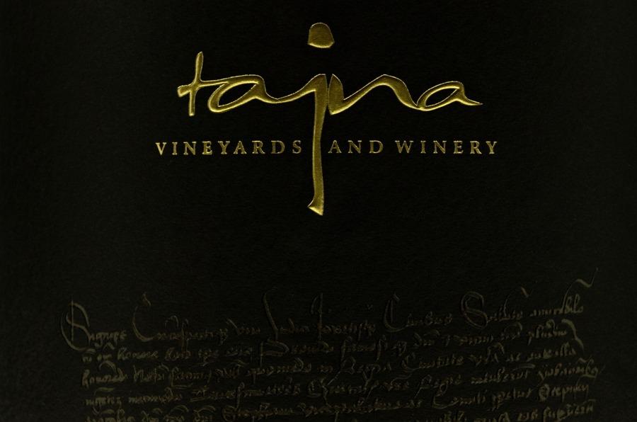 Logo víno Tajna