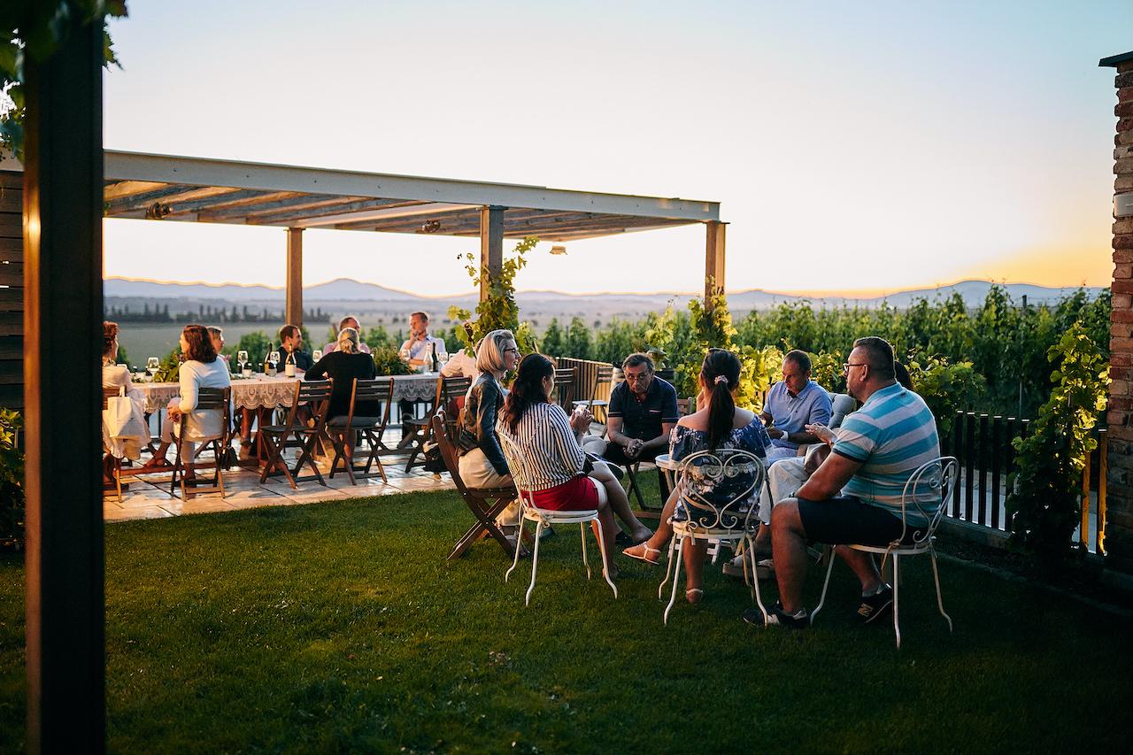 Grilovačky, svadby a fine dining eventy vo vinárstve Tajna