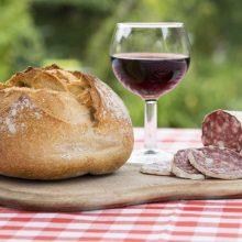Podľa vedcov pohár vína naštartuje kreativitu